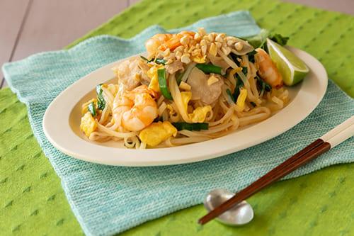 タイ風焼きそばパッタイのレシピや作り方をご紹介
