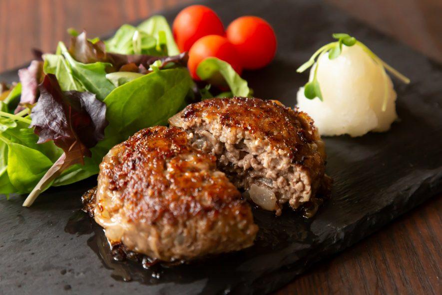 肉汁たっぷり♪肉の旨味まるごとハンバーグ