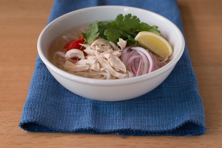 お鍋一つで♪基本のベトナム風 鶏肉フォー