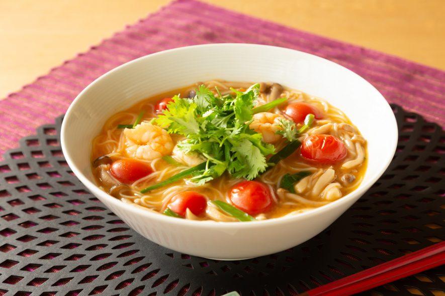 タイハーブとえびの旨味のトムヤムビーフン