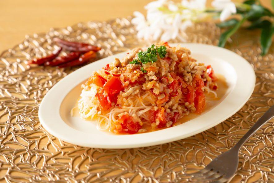 タイ風スパイシートマトソースライスパスタ