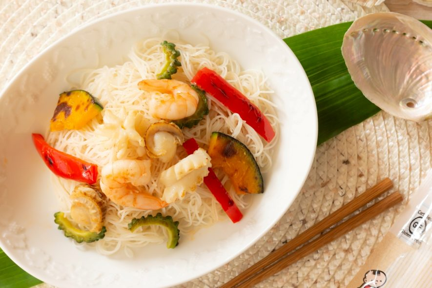 ナンプラー香る!夏野菜と海鮮の焼ビーフン