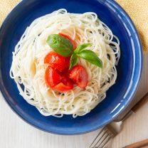 フレッシュトマトの冷製ライスパスタ