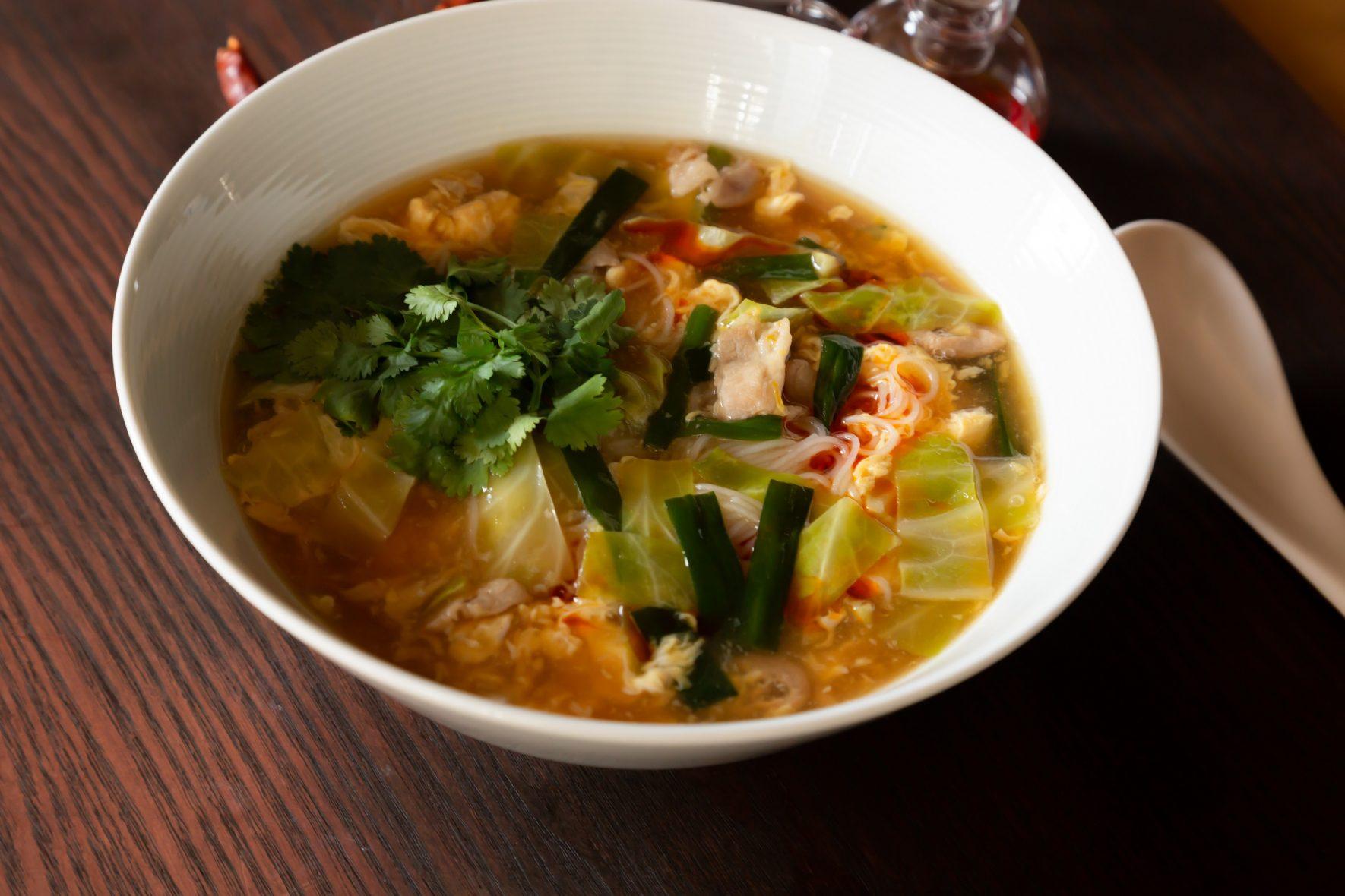 中華スープが自慢!酸辣湯風汁ビーフン