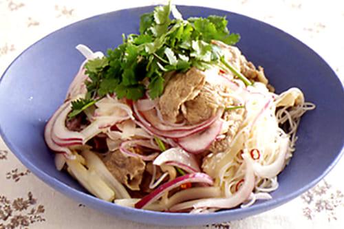 牛肉とビーフンのタイ風サラダ