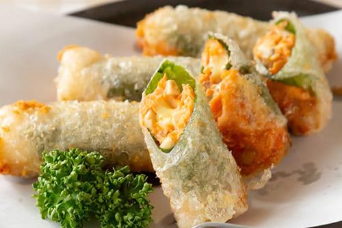 秋鮭とチーズで♪ライスペーパー揚げ春巻き