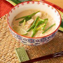 タイ風☆鶏肉のスパイシートムヤムヌードル